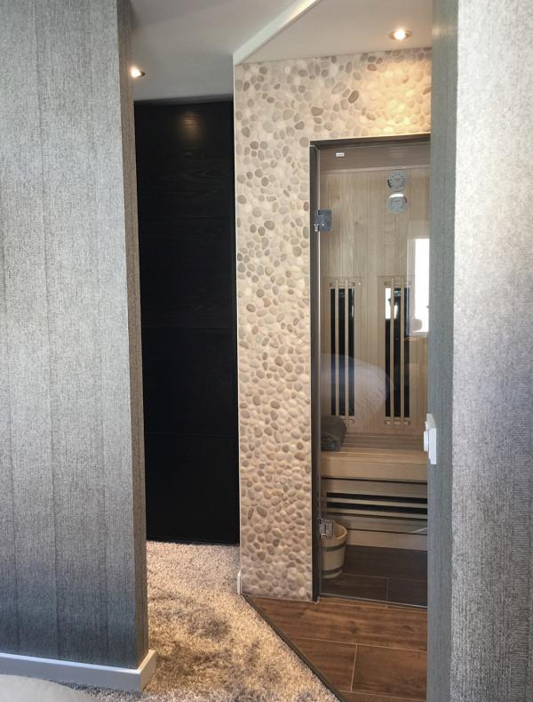 Badkamer met sauna's