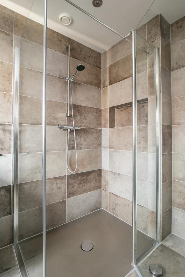 Kleine badkamer en toilet